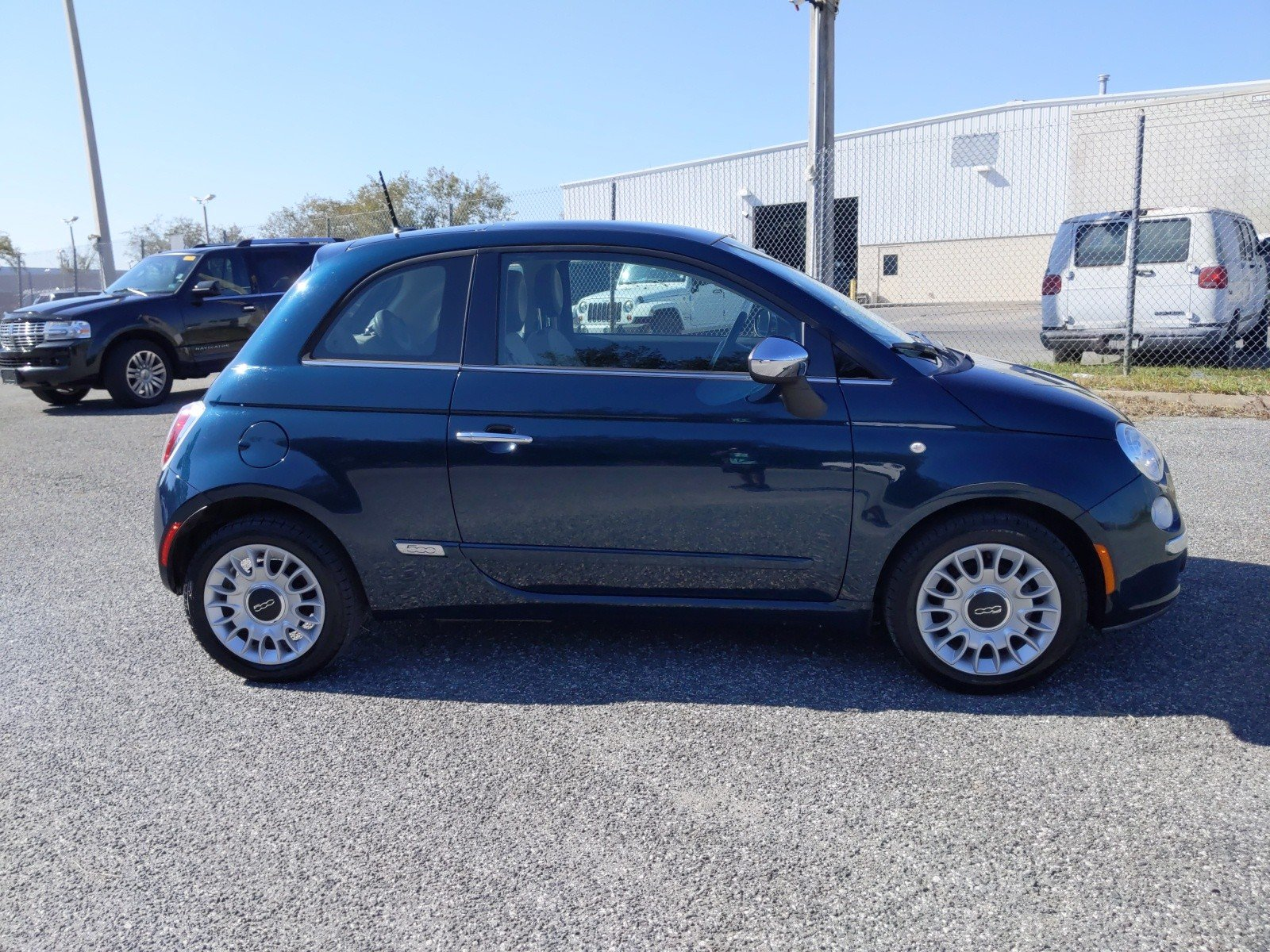 Pre-Owned 2013 FIAT 500 Lounge