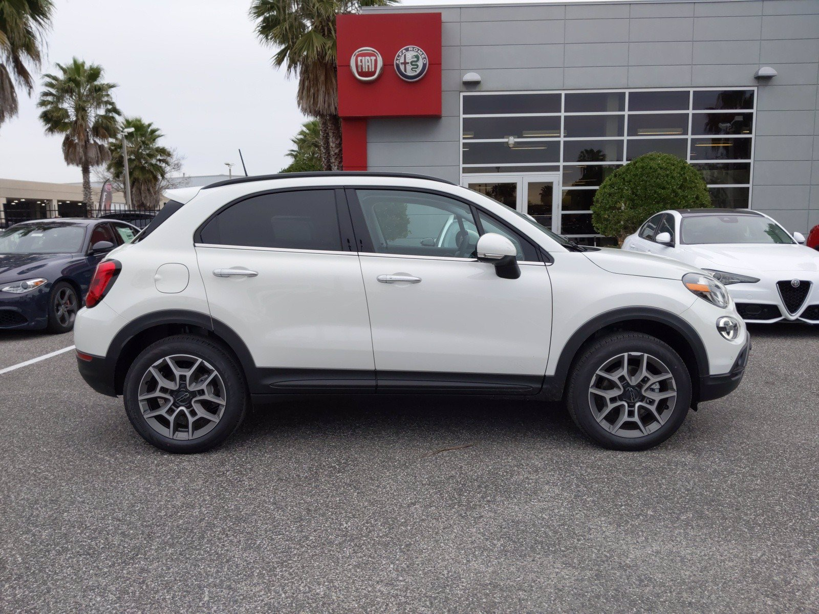 New 2020 FIAT 500X Trekking Plus